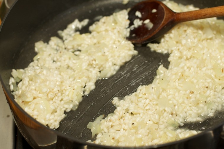 Spinazie risotto met asperges gewikkeld in Seranoham 18