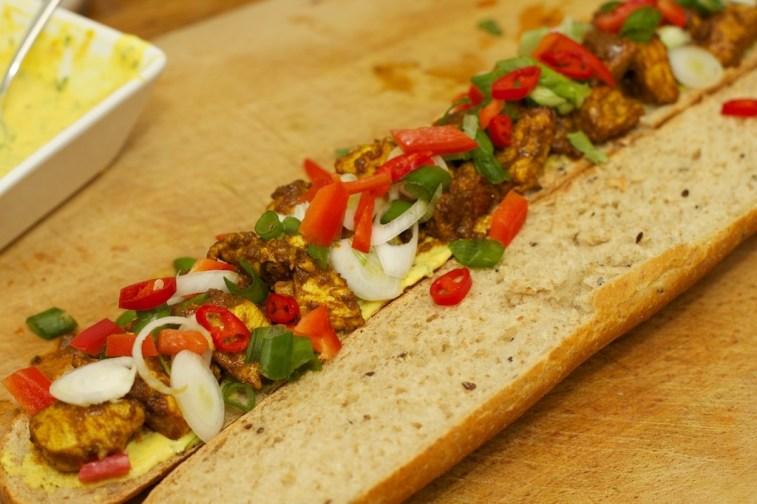 Stokbrood met kip en gele curry 37