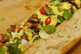 Stokbrood met kip en gele curry 38