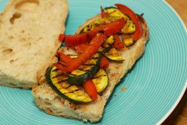 Broodje Thaise kip en gegrilde groente 35