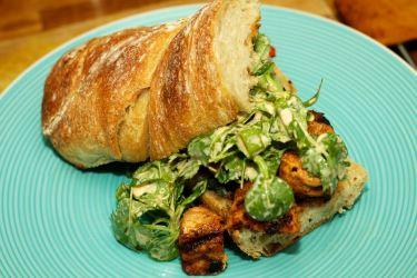 Broodje Thaise kip en gegrilde groente 38