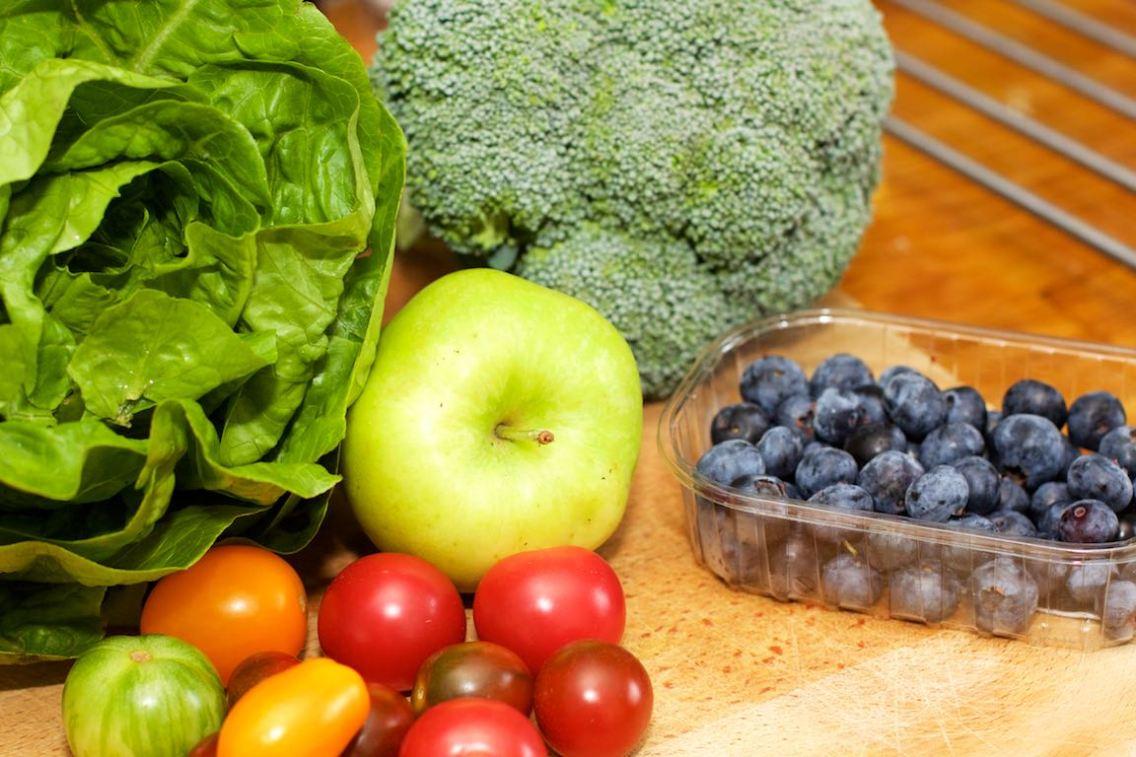 Salade met zomerse dressing van blauwe bessen 1