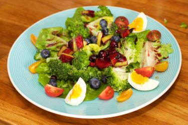 Salade met zomerse dressing van blauwe bessen 41