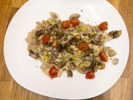 Romige pasta met prei, champignons en spekjes (40 van 40)