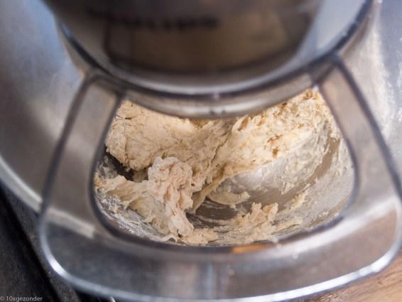 Flammkuchen met zuurkool en rookworst-10