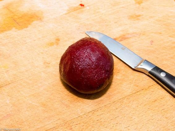 Roze pannenkoek met adzuki kiemen en mierikswortelsaus-25