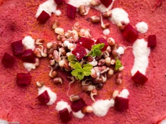 Roze pannenkoek met adzuki kiemen en mierikswortelsaus-28