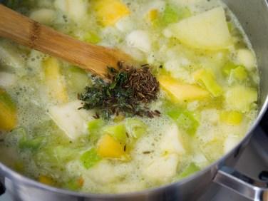 Wintersoep met koolraap, pastinaak, prei en aardappel-24