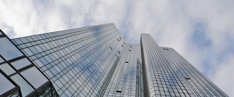 Conferenza stampa della Deutsche Bank AG per i dettagli della strategia 2020