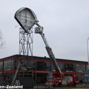 De brandweer heeft de loshangende delen verwijderd