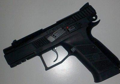 pistol, våben, gun, ransagninger