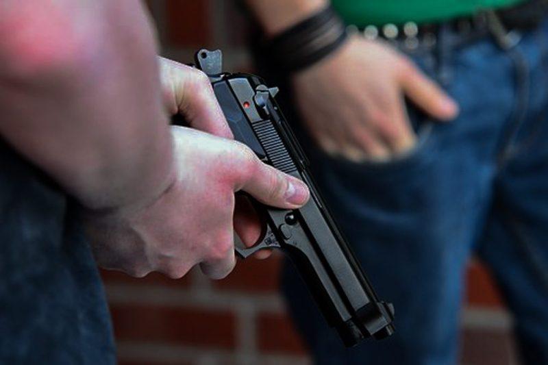 pistol, bandekonflikt