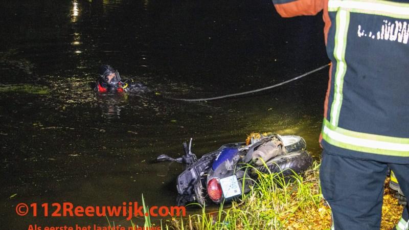 Scooter aangetroffen in sloot aan de Plaswijckweg