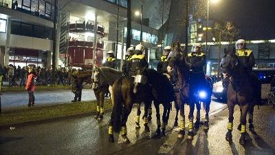 Politiepaard verongelukt bij begeleiding demonstratie in Nijmegen.