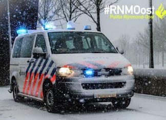 Politiewagen in de sneeuw
