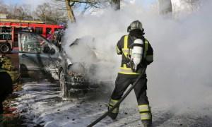 Mercedes in brand Rosmalen