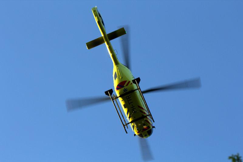 Vrouw ernstig gewond nadat zij is aangereden op de A76.