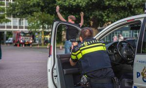 Politie richt wapen
