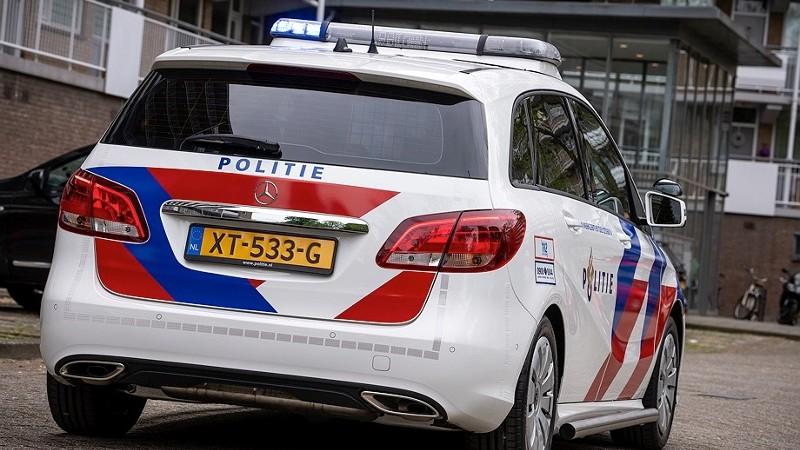 Dronken automobilist veroorzaakt aanrijding en beledigt agenten.