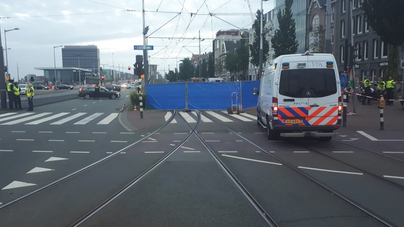 Motorrijder verongelukt in Amsterdam.