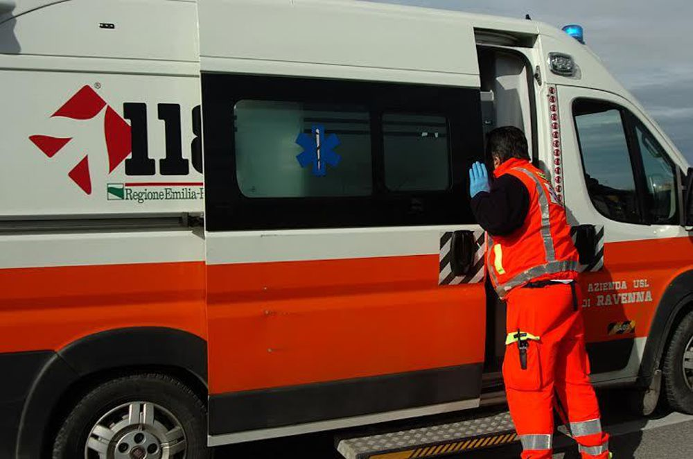 ambulanza-118-soccorsi-sanitari-big-beta-59-2