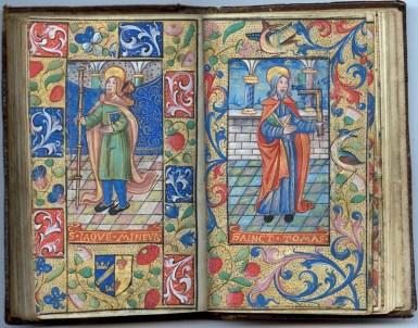Manuscrit MS 3907, passionnaire et hymnaire du XVIe siècle, comportant 28 miniatures. Ici saint Jacques le Mineur et saint Thomas. Médiathèque du Grand Troyes, photo P. Jacquinot