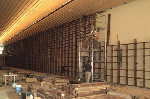 Les travaux d'installation de la nouvelle Grande Salle. Le nouveau bâtiment de la Médiathèque, boulevard Gambetta, a ouvert au public en 2002. Photo Médiathèque de Troyes Champagne Métropole