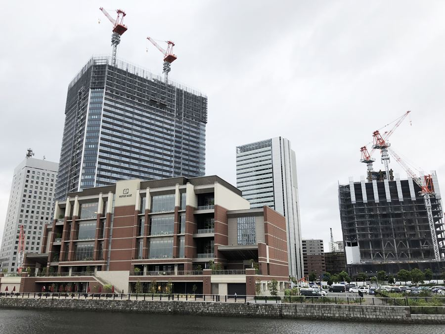 横浜新市庁舎とTHE TOWER YOKOHAMA KITANAKA