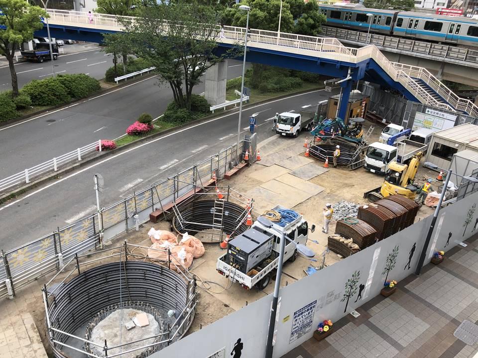 横浜北仲動線の工事現場風景