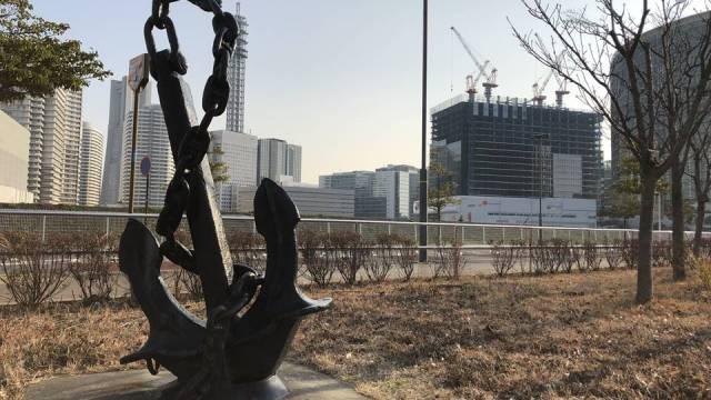 横浜駅とみなとみらいの間にある「高島水際線公園」の写真