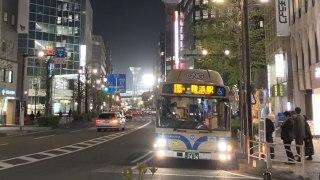 夜に輝く横浜スタジアムの照明