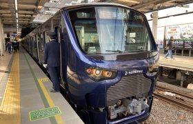 相鉄・JR直通線の12000系電車