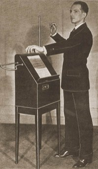 leon_theremin_young