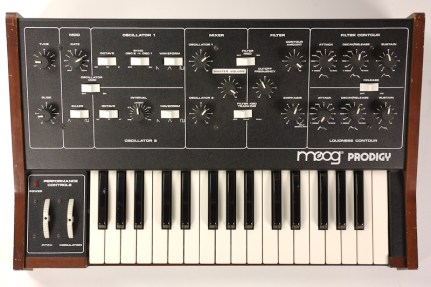 Model 336BX S:N 9161X MOOG MUSIC INC 2500 WALDEN AVE. BUFFALO. N.Y. 14225 MADE IN U.S.A.