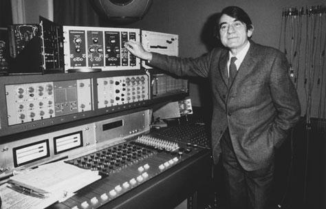 Pierre Schafer by the console of Studi 54 with the Coupigny Synthesisier