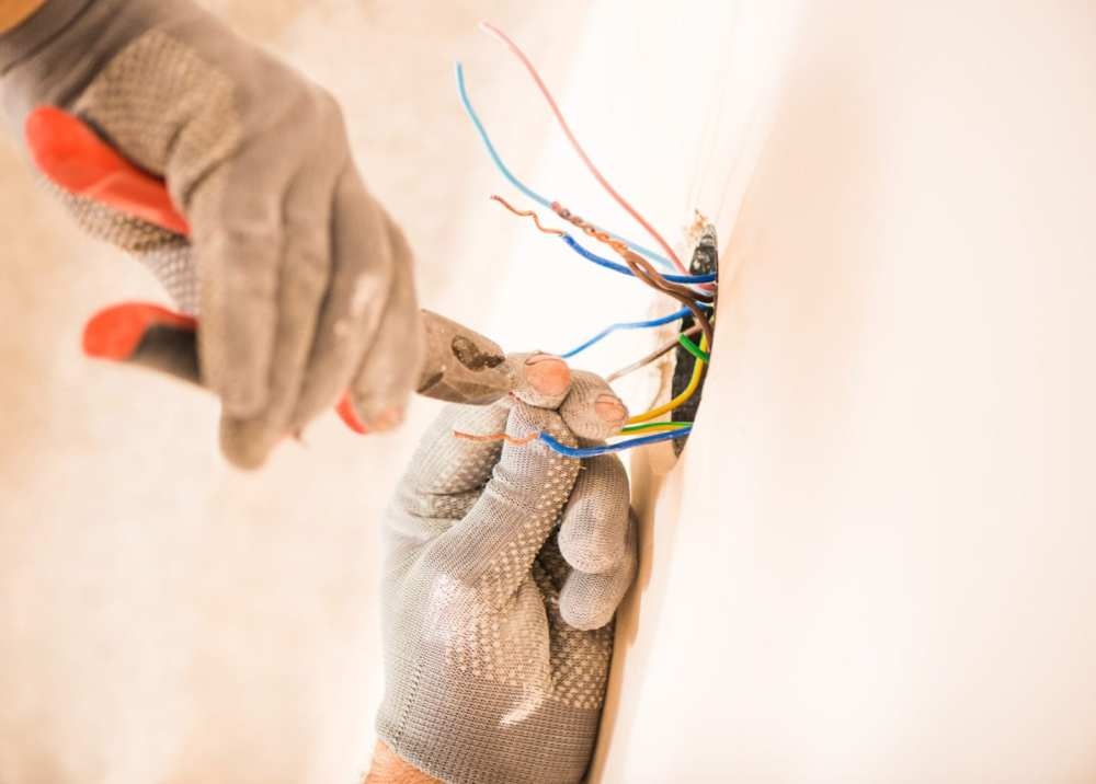 medium resolution of diy electrical mistakes occur often when working with wiring call mister sparky for all