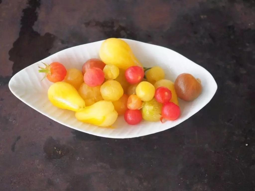 tomates cerises pelées
