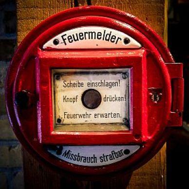 feuerrmelder-300