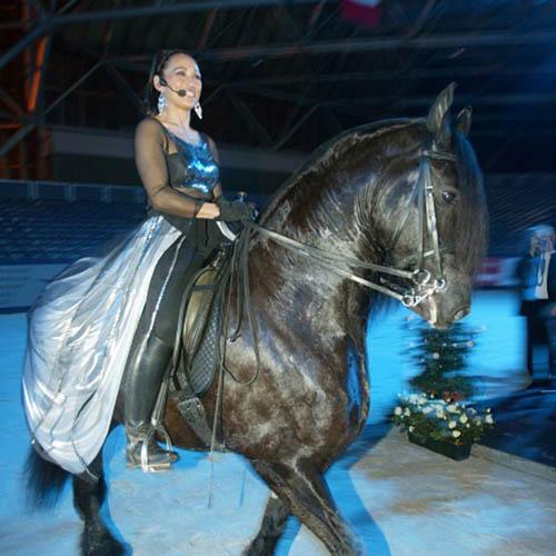 Zingend Te Paard
