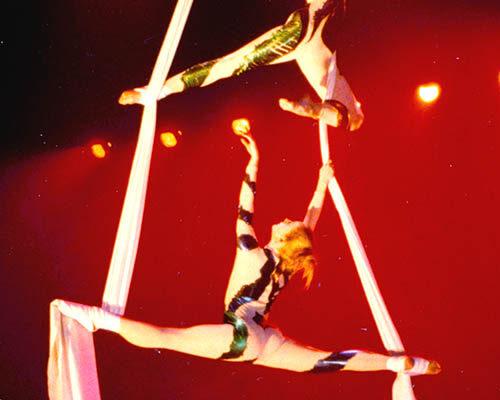 opening-evenement-openingsact-acrobatiek