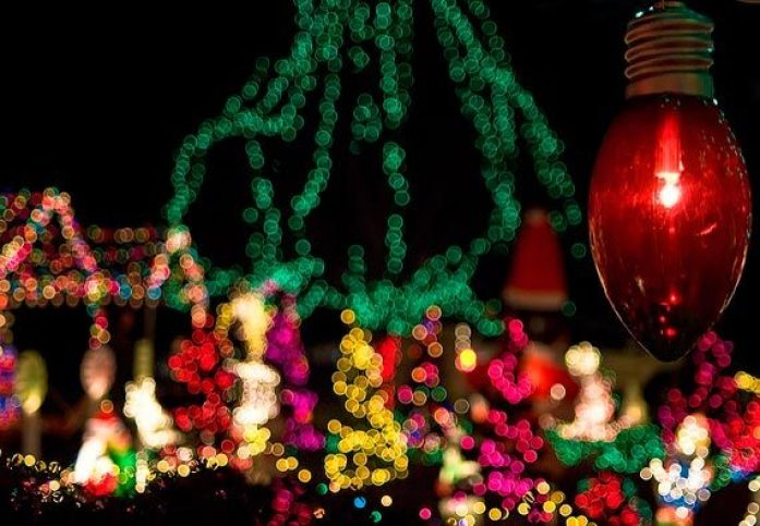 christmas-light-closeup-570x395