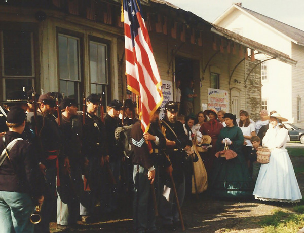 123rd Regiment reenactors in 1995