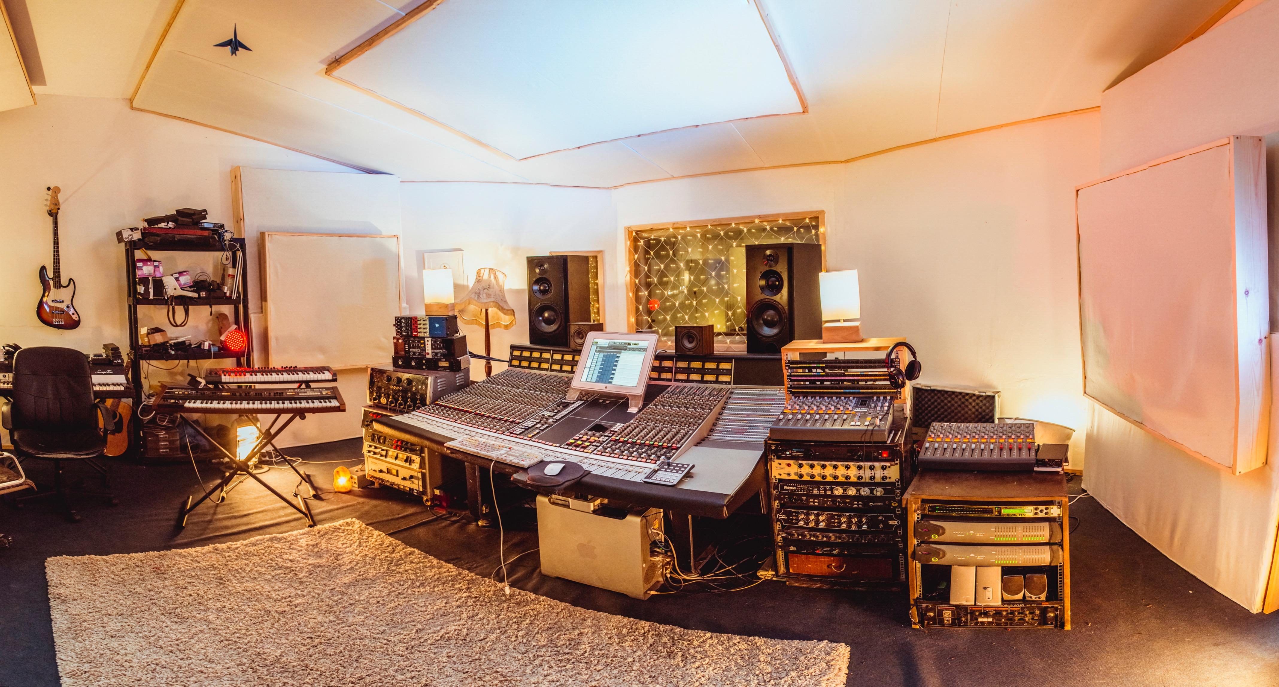 123 studios  MUSIC  RECORDING STUDIO IN PECKHAM SOUTH