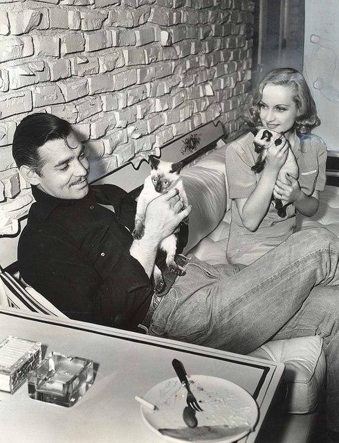 beatnik-yoga:  angelinaadoptme: Clark Gable & Carole Lombard :)