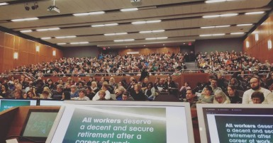 Large meeting of CUPE 1975 members