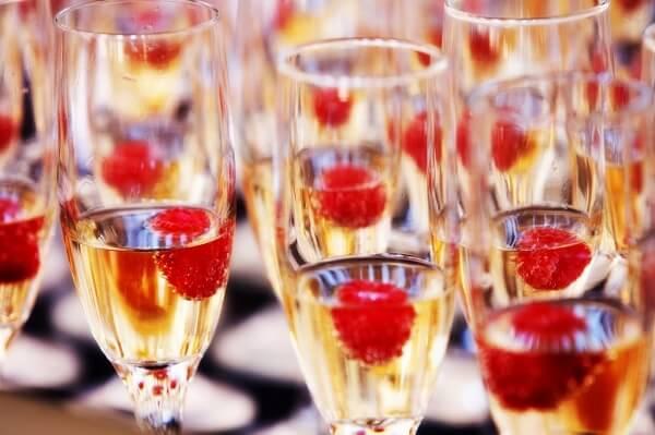 unforgettable wedding bar ideas