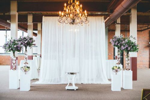 curtains and chandelier weddingfor1000.com