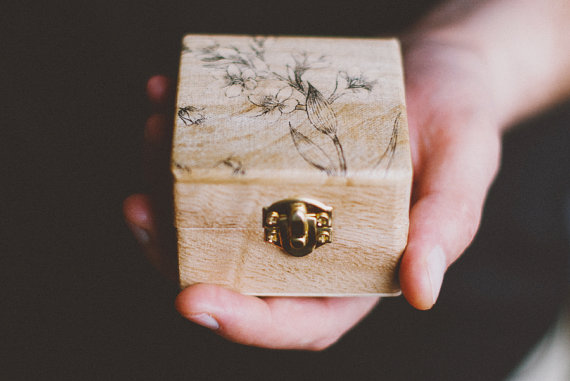 5 awesome alternatives to the wedding ring pillow for Cute engagement ring boxes