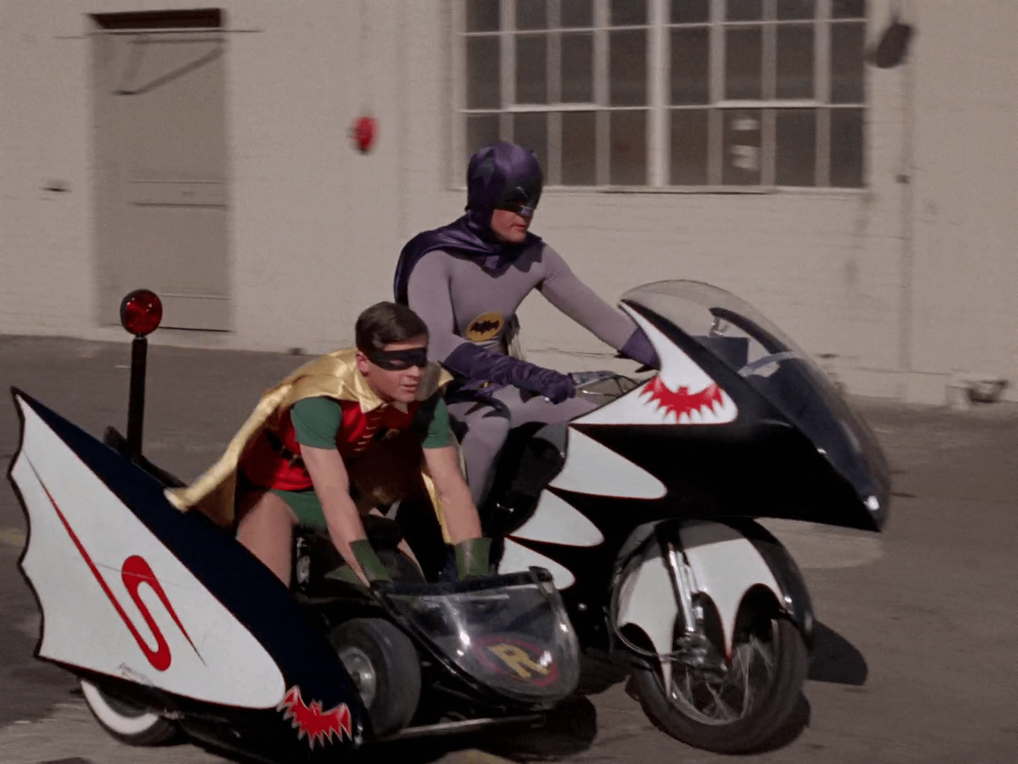 Auction Flub Leads New Owner To Original Batcycle