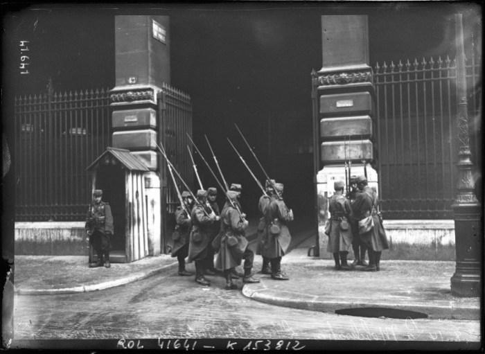 Hôtel des Postes, Paris - 1914 Domaine public Agence Rol — Gallica (Bibliothèque nationale de France)